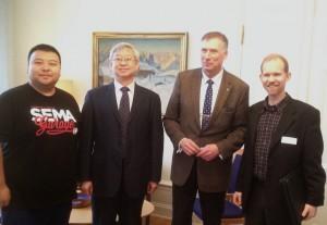 Landshövding Gunnar Holmgren och vd Joakim Byström med gäster från Sichuanprovincen i januari 2016.